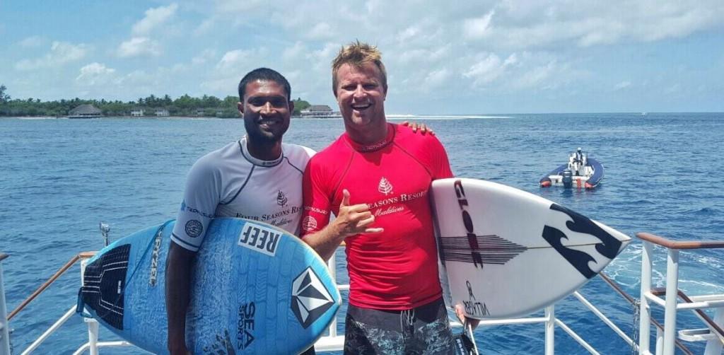 Iboo-pic-maldivian-surfer